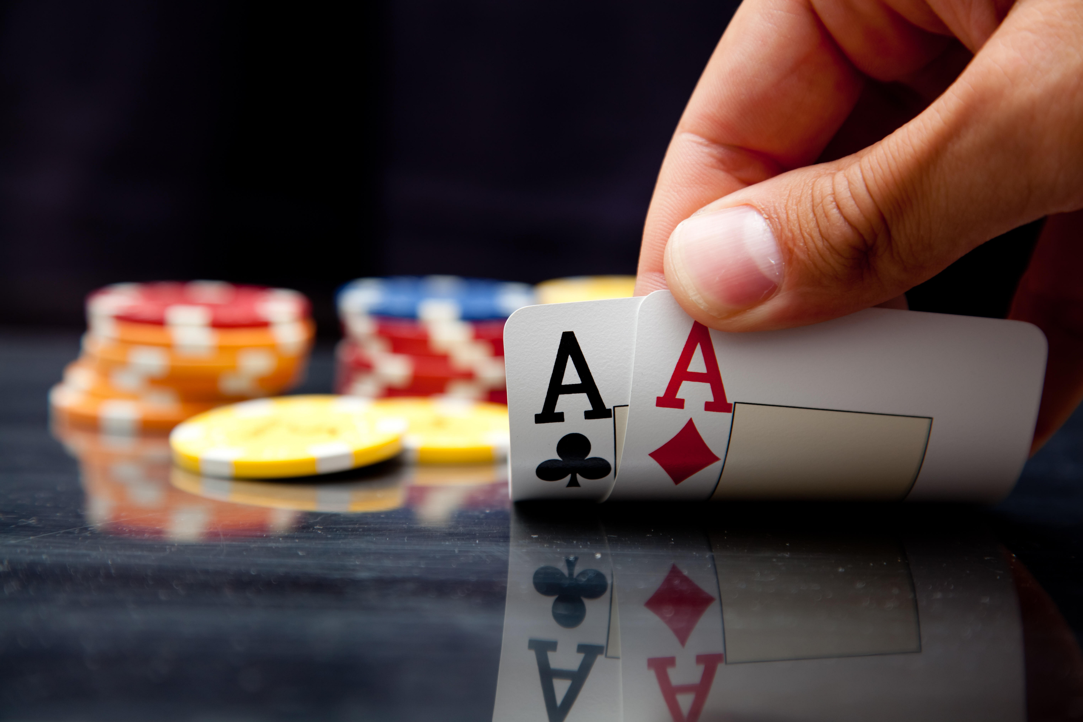 Attributes Connected With The Best Internet Based Texas Holdem Internet Sites